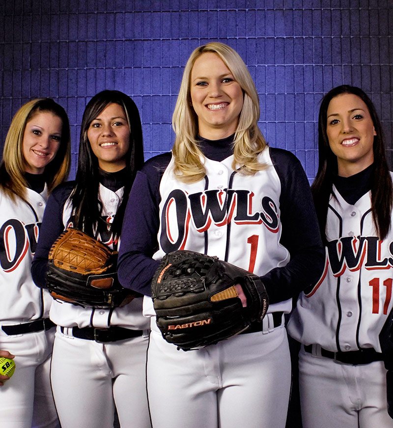Indoor shot of female Citrus College Owls software players in uniform